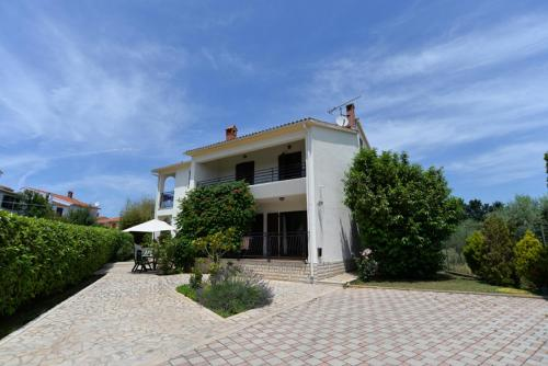 http://www.booking.com/hotel/hr/apartment-istria-sun-is51021.html?aid=1728672