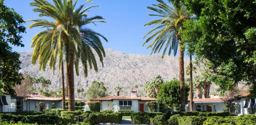 Avalon Hotel and Bungalows Palm Springs Photo