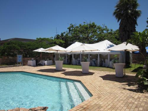Blue Lagoon Hotel and Conference Centre Photo