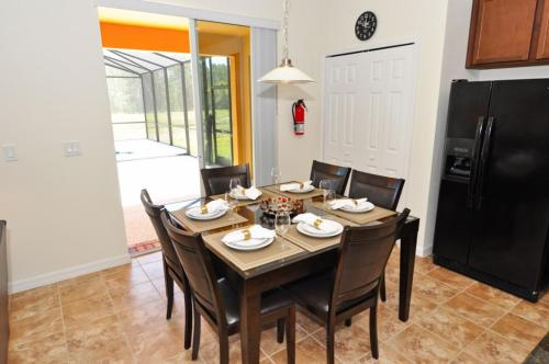 Orange Cosmos Holiday Home 4020 Photo