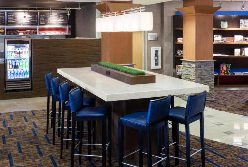 Courtyard by Marriott Phoenix West/Avondale photo 16
