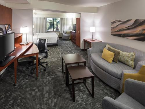 Courtyard by Marriott Phoenix West/Avondale photo 30