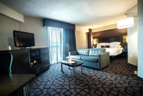 Best Western Plus DC Hotel Largo Photo