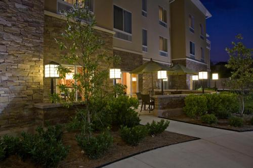 Fairfield Inn and Suites by Marriott Montgomery EastChase Photo