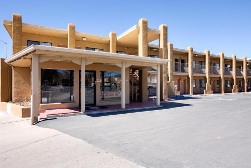 Motel 6 Santa Fe Plaza - Downtown Photo