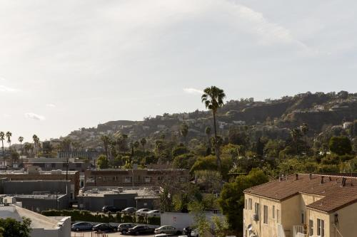 Hollywood Vista Views: Perfect Location Photo