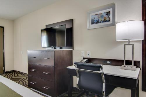 Quality Inn & Suites Athens Photo
