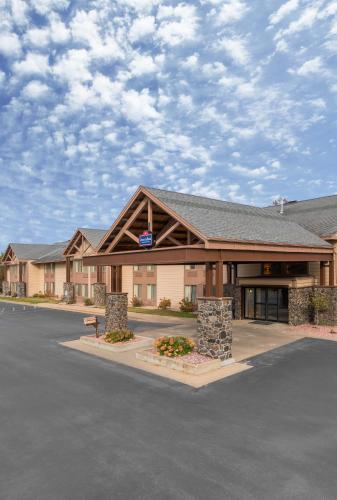 AmericInn Lodge & Suites Black River Falls Photo