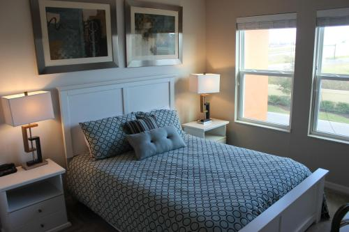 ACO Townhome Compass Bay (1602) Photo