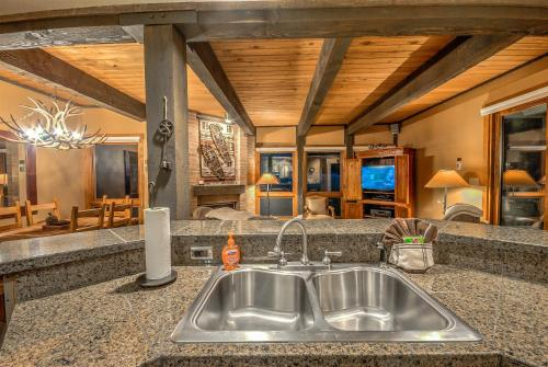 The Lodge B 108 - Steamboat Springs, CO 80487