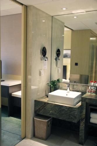 Courtyard By Marriott Shanghai Pudong photo 34