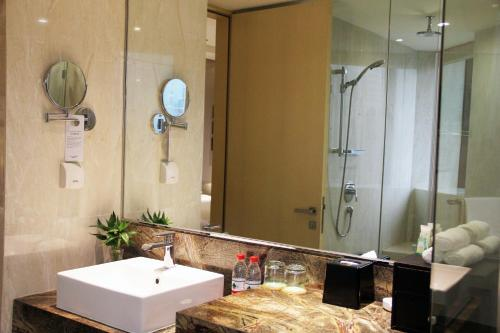 Courtyard By Marriott Shanghai Pudong photo 45