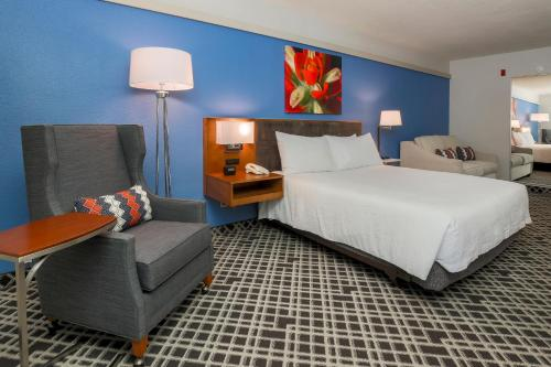 Hilton Garden Inn Dallas/Market Center Photo