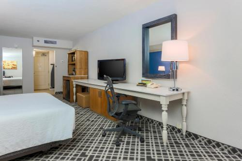 Hilton Garden Inn Dallas/Market Center photo 22
