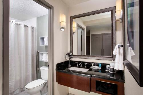 Crowne Plaza Atlanta Midtown Photo