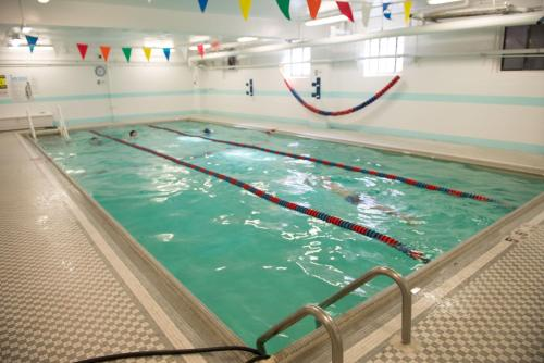 Greenpoint ymca brooklyn brooklyn ny united states overview for Indoor swimming pools in brooklyn