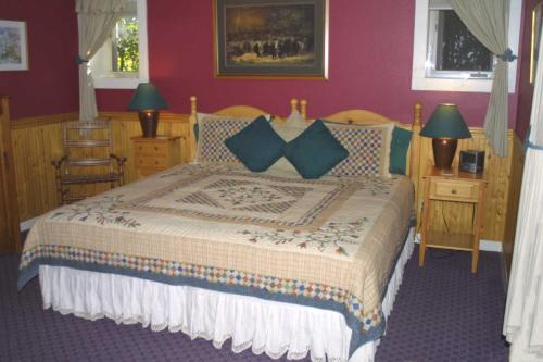 Arden Forest Inn Photo