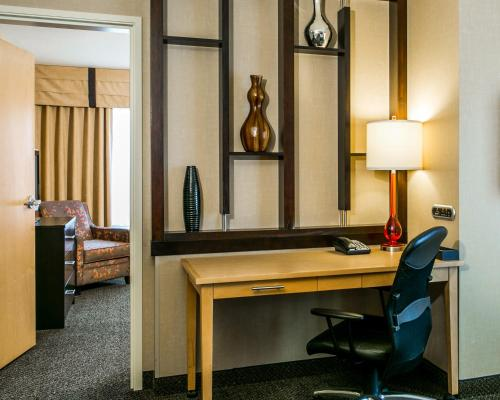 Cambria Hotel & Suites - Fort Collins Photo