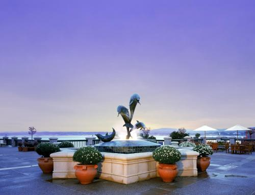 Monterey Plaza Hotel & Spa Photo