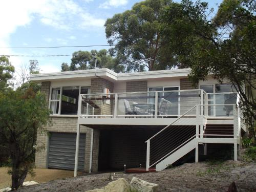 Coningham Beach House