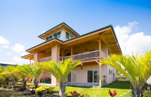 Coconut Palms Three Bedroom House By Kehena Beach Pahoa