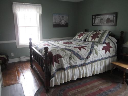 Grand Oak Manor Bed and Breakfast Photo