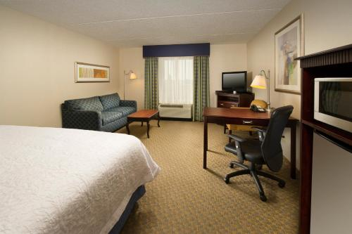 Hampton Inn Syracuse Clay Photo