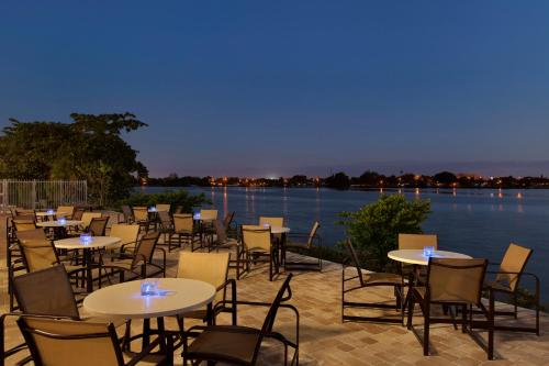 Cambria hotel & suites Miami Airport - Blue Lagoon Photo