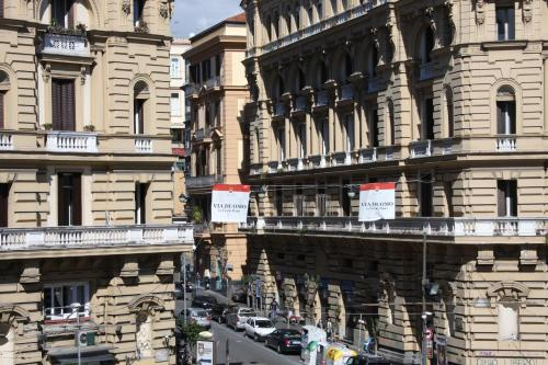 Be Italian Piazza Amore Flats - naples - booking - hébergement