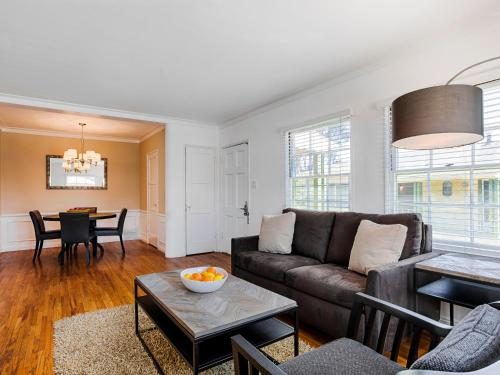 WW Westwood 1BR Photo