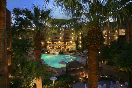 Radisson Suites Tucson Photo
