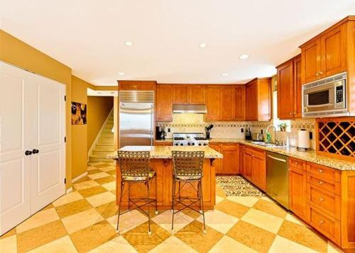 Fun In The Sun Newport Condo - Newport Beach, CA 92663