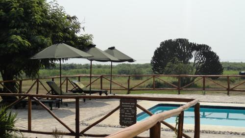 Ihamba Lakeside Safari Lodge