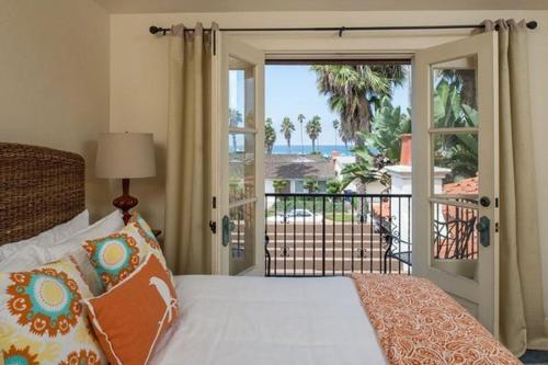 Hacienda by the Sea - San Diego, CA 92037