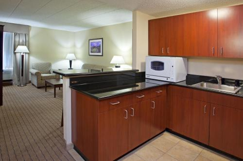 Crowne Plaza Hotel Pittsburgh South Photo
