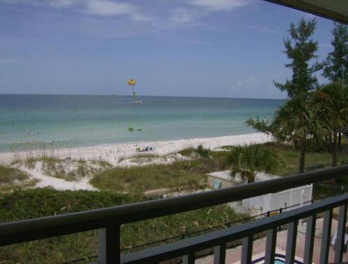 Club Bamboo South - Bradenton Beach Photo