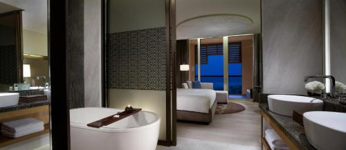 Park Hyatt Abu Dhabi Hotel and Villas photo 81