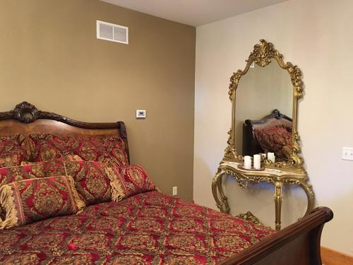 Attwood House Bed and Breakfast near Manhattan, KS Photo