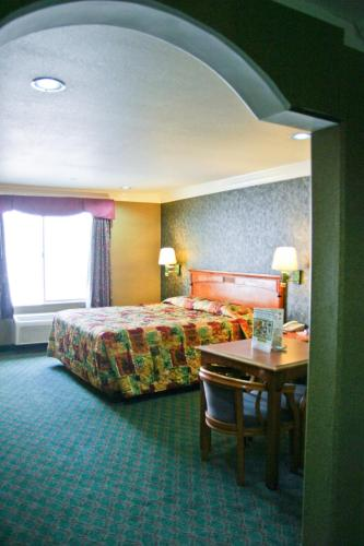 Crystal Inn Suites & Spas Photo