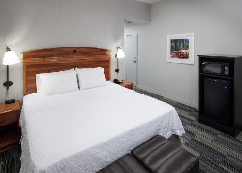 Hampton Inn & Suites Tulare in Tulare
