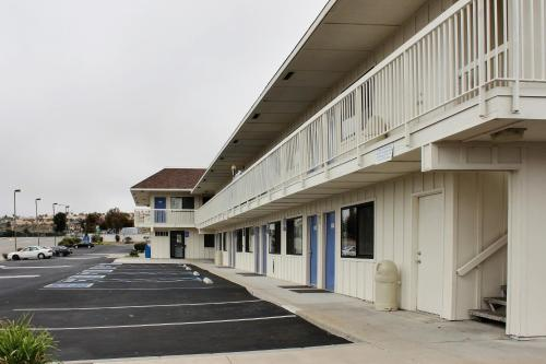 Motel 6 Pismo Beach Photo