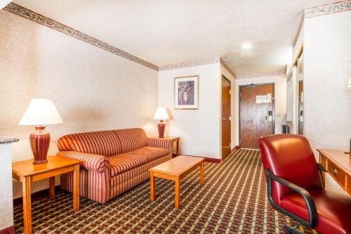 Comfort Inn Lathrop Photo