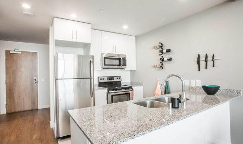 3rd Street Apartment 2-330 - Los Angeles, CA 90036