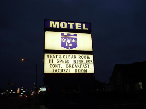 Knights Inn London Ontario Photo