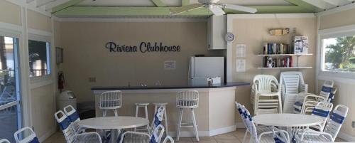 Riviera Club 103 - 2 Wk Photo