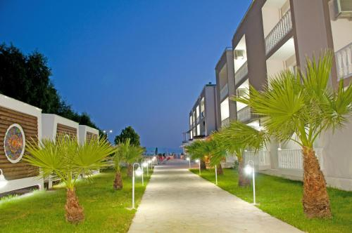 Ozdere Dogan Beach Resort & Spa Hotel indirim