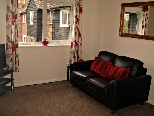 Photo of Eeklo Apartment Self Catering Accommodation in Newbury Berkshire