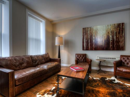 Western Hotel & Executive Suites Photo