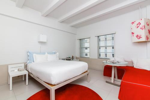 Townhouse Hotel Photo