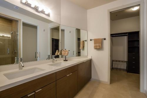 The Ricchi Luxury Condos of San Antonio Texas Photo